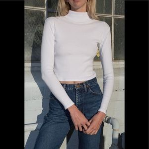Brandy Melville Ribbed Daniela Turtleneck S flawed